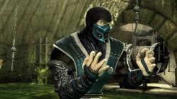 Костюм Саб-Зиро с белыми полосочками в Mortal Kombat Komplete Edition